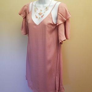 🌸Fabulous cold shoulder Bell sleeve dress
